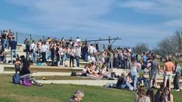 Naar het park mag, maar bij drukte wordt er opgetreden (archieffoto).