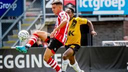 Abdou Harroui van Sparta in duel met Jetro Mashart van NAC Breda. (foto: ANP 2019/Robin Utrecht).