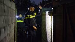 De politie zocht in de buurt nog naar de daders (foto: Politie.nl).