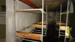 De dikke deuren van bunkers en atoomschuilkelders uit de Koude Oorlog staan open voor iedereen
