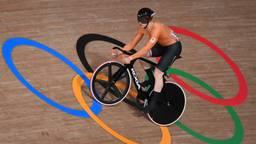 Harrie Lavreysen op de olympische baan in Izu (foto: ANP).