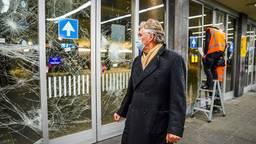 Burgemeester Jorritsma op het station in Eindhoven (foto: Sem van Rijssel / SQ Vision).