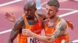 Joris van Gool samen met Churandy Martina na de 4x100 meter (Foto: OrangePictures)