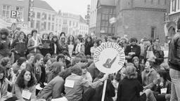 Vrouwenstaking in Den Bosch, 30 maart 1981. (foto: Wilma Geurtjens)