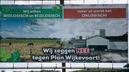 Protestborden tegen Wijkevoort (foto: Agnes van der Straaten).