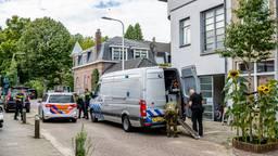 Politie en EOD op zoek naar explosieven in Tilburg