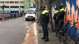 De politie op scherp tijdens een eerder aangekondigde demonstratie van Pegida in Eindhoven (foto: Raymond Merkx).