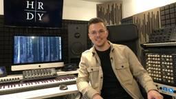Wouter Hardy in zijn studio aan de Bossche Tramkade (foto: Tom van den Oetelaar).