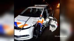 De schade aan de politieauto (beeld: Bureau Brabant).