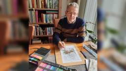 Wim uit Sprang-Capelle bootst de werken van Anton Pieck na. (Foto: Wim Dingemans)