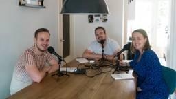 Mark Versteden (midden) met Elger en Nelleke, de makers van de Molpodcast (foto: Mark Versteden).