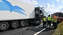 Ook ellende op A16: meerdere vrachtwagens botsen bij knooppunt Galder