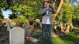 Thomas Lauwen speelt The Last Post (foto: Imke van de Laar).