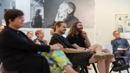Bart Hess (rechts) is blij met de Designprijs 2021 (foto: Ilse Wolf).