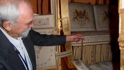 Cor Priele bracht het 'gestolen' koordje van de Gouden Koets zelf terug (foto: Cor Priele).