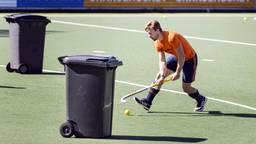 Hockeyinternational Mink van der Weerden tijdens een training in coronatijd. (Foto: via ANP - EPA/KOEN SUYK)