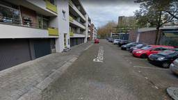 De man was rond vijf uur naar de Tilburgse Reinevaarstraat gereden (foto: Google Streetview).