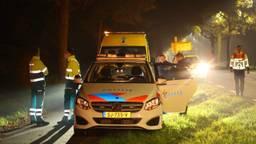 Verschillende hulpdiensten werden opgeroepen na het ongeluk op de N65 bij Haaren (foto: Bart Meesters).