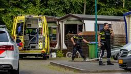 Op het woonwagenkamp werd een man in zijn been geschoten.