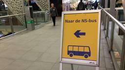 Er worden snel- en stopbussen ingezet vanwege werkzaamheden op het spoor.
