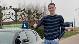 Jari Kors heeft donderdag zijn rijbewijs gehaald (foto: Jeroen Rullens).