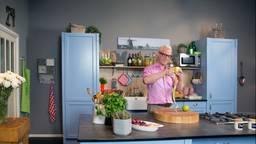 Rudolph van Veen in de keuken (foto: ANP)