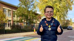 Mees (11) zorgt voor regenboogzebrapad in Zundert: 'Ik ben echt heel trots'