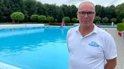 Zwembadmanager Roeland Appels ziet de badgasten deze zomer wegblijven (foto: Erik Peeters).