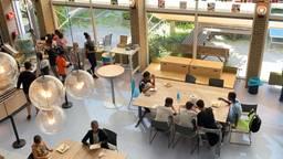 De kantine van de zomerschool van de Curio Internationale Schakelklas