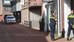 De politie doet onderzoek bij de Houtstraat in Oss (foto: Gabor Heeres/SQ Vision).