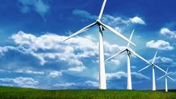 Windmolens en zonnepanelen in 'Duurzame Polder'