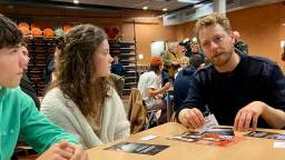 Acteur Mark van Eeuwen geeft gastles aan leerlingen van 't Rijks (foto: Erik Peeters)