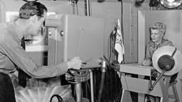 De omroepster was een secretaresse bij Philips (foto: Koninklijke Philips / Philips Company Archives).