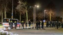Willem II supporters bij het stadion in Tilburg
