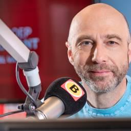 Hubert Mol maakt de aller gezelligste radio van heel Brabant (en ver daarbuiten). De beste muziek om op te werken of te poetsen, leuke gasten en natuurlijk een spelletje.