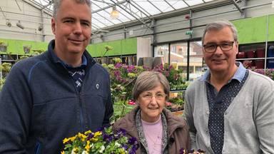 Peter Stolzenbach (links) met zijn moeder Annie en broer André.