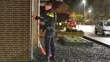 De politie doet onderzoek (foto: Rico Vogels/SQ Vision).