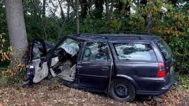 De bestuurster raakte gewond door het ongeluk (Foto: Bart Meesters)