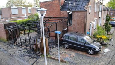 De schade aan het huis aan het Peelhof in Helmond is aanzienlijk (foto: Harrie Grijseels/SQ Vision)
