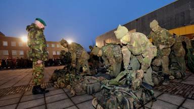 Commando's bij de kazerne in Roosendaal (foto: ANP Photo Robert van den Berge)