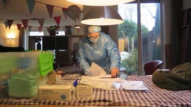 Thuistester Suzanne is een van de nieuwe mensen bij GGD Hart voor Brabant (foto: Joris van Duin).