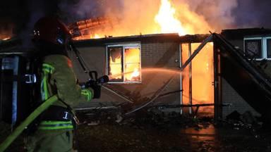 Vakantiehuisjes in vlammen op in Vlierden