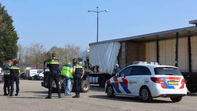 Vrachtwagenchauffeur zwaargewond geraakt tijdens lossen in Nuland