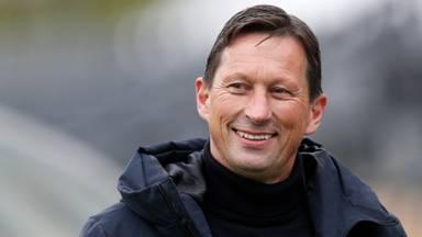 PSV-coach Schmidt: 'Van der Kuijlen is de beste spits die PSV heeft gehad'