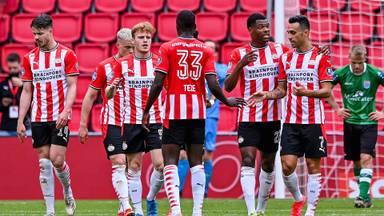 PSV-trainer Schmidt durft zich nog niet rijk te rekenen: 'Maar dit mogen we echt niet meer weggeven'