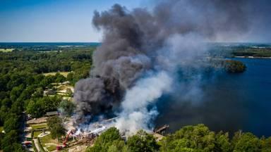 Brand bij de Beekse Bergen vanuit de lucht gezien