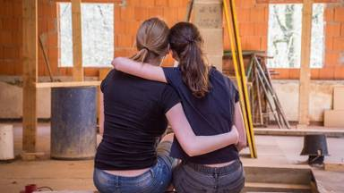 Een goede vriend of vriendin kunnen we weer knuffelen (foto: Pixabay).