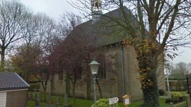 De Protestantse kerk aan de Voorstraat in Nieuw-Vossemeer (foto: Twitter, wijkagenten Steenbergen)