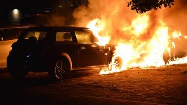 De Mini die in brand vloog (foto: Perry Roovers/SQ Vision Mediaprodukties).