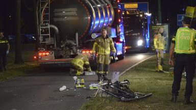 Fietsster zwaargewond na aanrijding met vrachtwagen in Etten-Leur